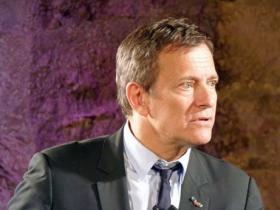 """""""Francis Huster se glisse dans la peau d'Albert Camus"""""""